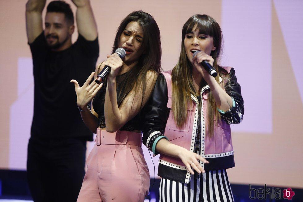 Aitana y Ana Guerra cantando 'Lo malo' en 'El Hormiguero'