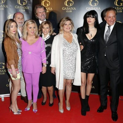 Alejandra Rubio junto a Terelu Campos, Carmen Borrego, María Teresa Campos y demás en su cumpleaños