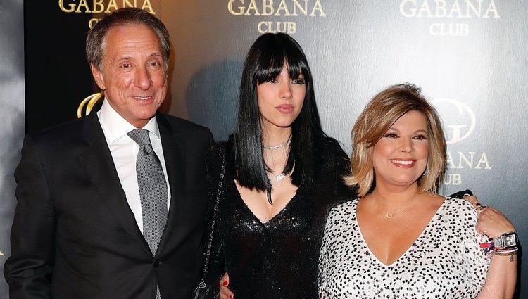 Alejandra Rubio, Terelu Campos y Alejandro Rubio en el cumpleaños de la joven