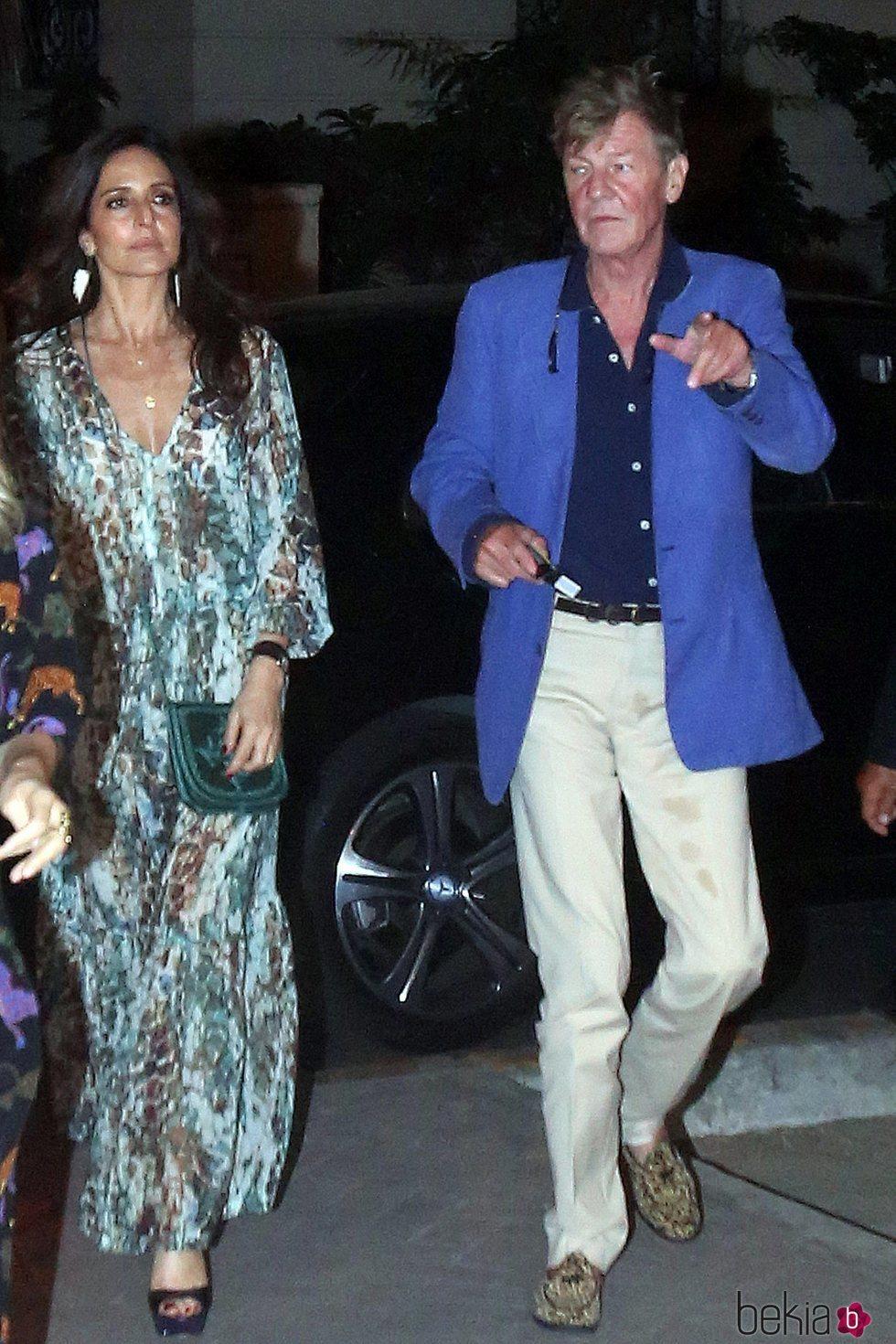 Ernesto de Hannover y Maria Madalena Bensaude en la boda de Christian de Hannover en Lima