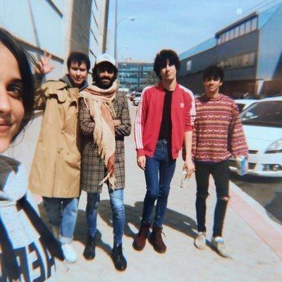 Javier Ambrossi y Javier Calvo junto a Macarena García, Leiva y Alex de Lucas, pasean por Madrid
