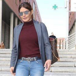 Ivonne Reyes saliendo de los Juzgados de Alcobendas