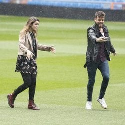 Amaia Romero y Ricky Merino en el Estadio Santiago Bernabéu