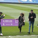 Amaia, Cepeda y Ricky de 'OT2017' en el Estadio Santiago Bernabéu
