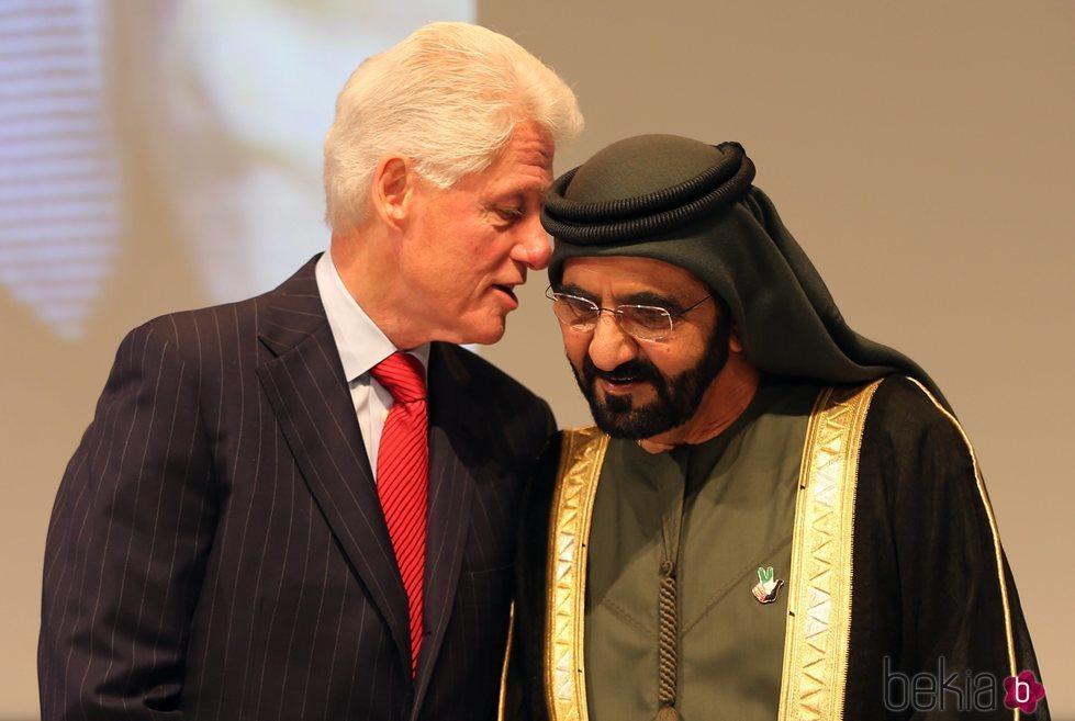 El Emir de Dubai junto a Bill Clinton en 2015