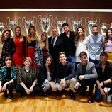 Los participantes de 'Operación triunfo 2017' con Florentino Pérez en el Estadio Santiago Bernabéu