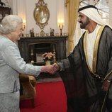 El Emir de Dubai junto a la Reina Isabel II de Inglaterra