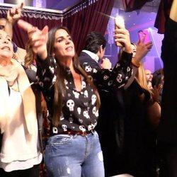 Isabel Pantoja, Anabel Pantoja e Irene Rosales dándolo todo en el concierto de Kiko Rivera