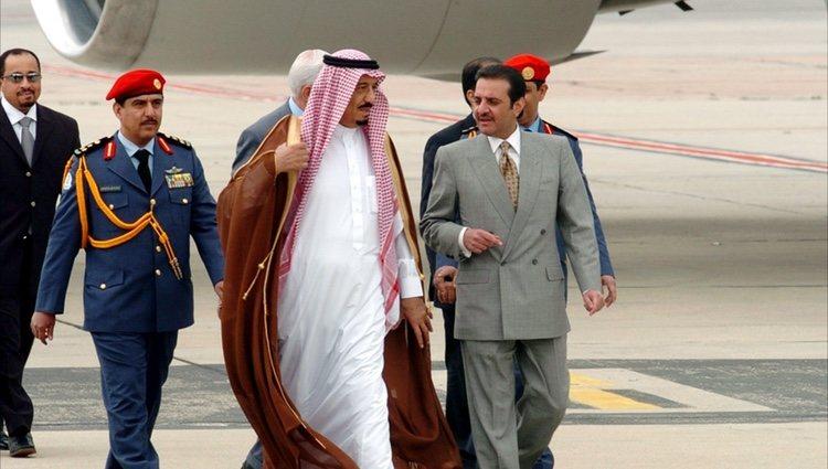 El Rey Salmán de Arabia Saudí llegando al aeropuerto de Barajas