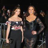 Catherine Zeta-Jones y su hija Carys Douglas en un desfile de Dolce & Gabbana en Nueva York