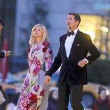 Los Príncipes Pablo y Marie-Chantal de Grecia en un desfile de Dolce & Gabbana en Nueva York