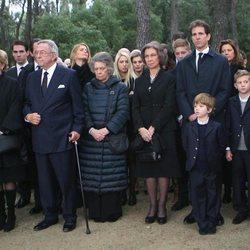 La Familia Real Griega y la Familia Real Española en el 50 aniversario de la muerte de Pablo de Grecia