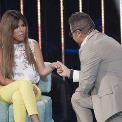 Jorge Javier Vázquez agarra de la mano a Chabelita Pantoja en la gala 5 de 'Supervivientes 2018'