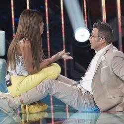Jorge Javier Vázquez y Chabelita Pantoja en el suelo durante la gala 5 de 'Supervivientes 2018'