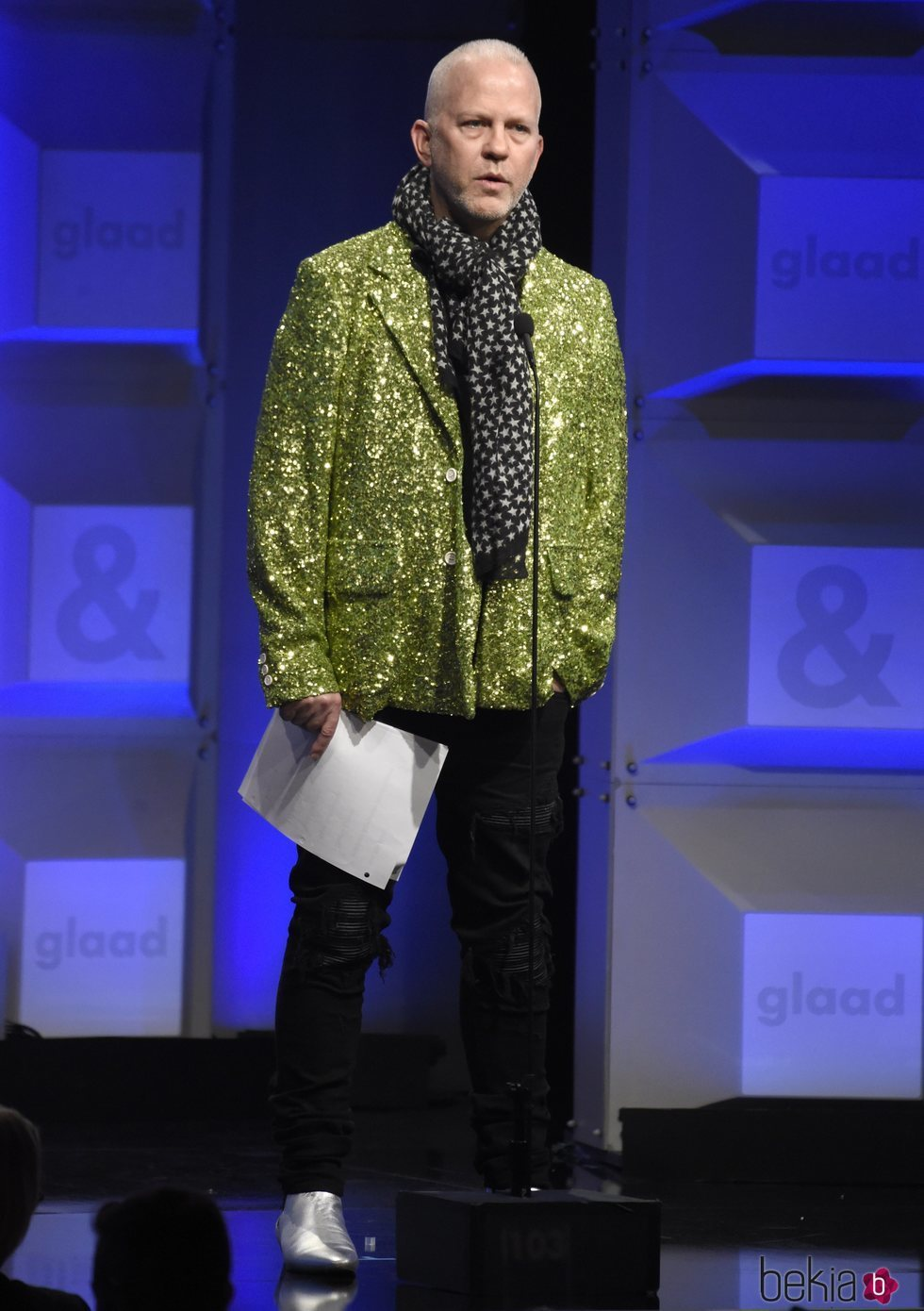 Ryan Murphy en los GLAAD Awards de 2018