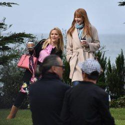 Nicole Kidman y Reese Whiterspoon divirtiéndose en el rodaje de 'Big Little Lies'