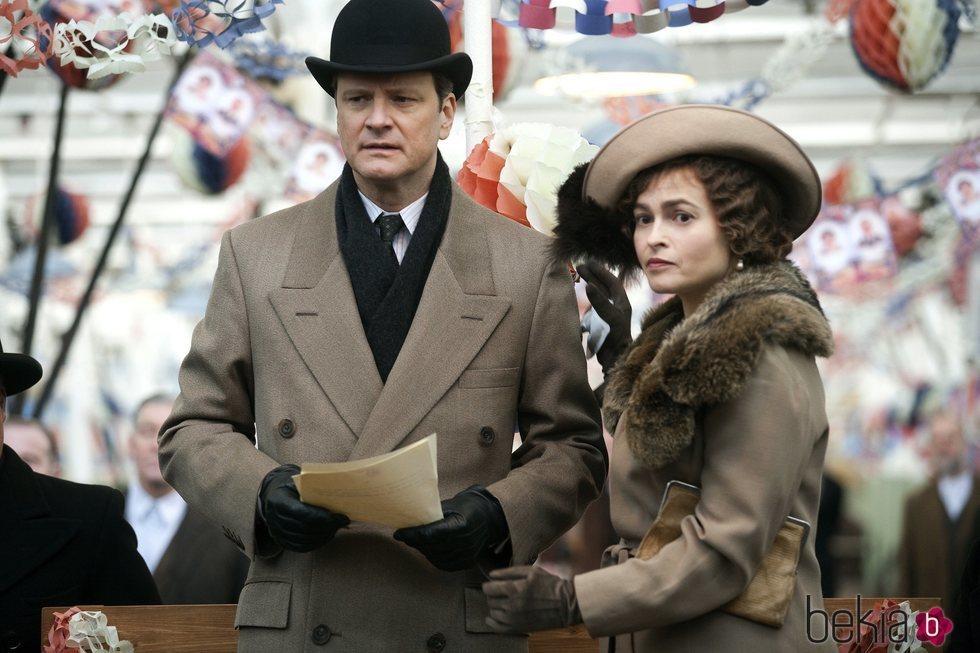 Colin Firth y Helena Bonham Carter en la película 'El discurso del Rey'