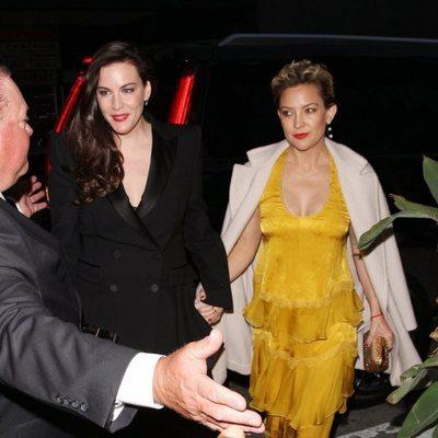 Kate Hudson y Liv Tyler en la fiesta preboda de Gwyneth Paltrow y su pormetido