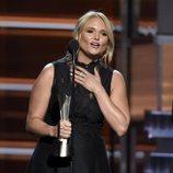 Miranda Lambert, emocionada al recoger su premio en los CMA Awards 2018