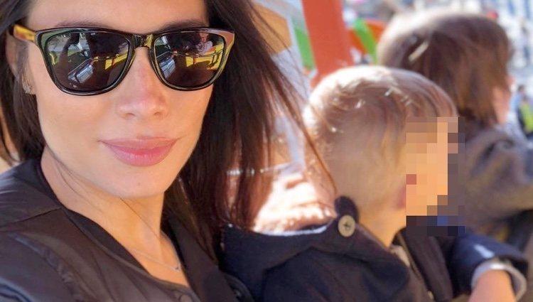 Pilar Rubio en el parque de atracciones con sus hijos mayores Sergio y Marco