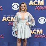 Julia Michaels en los premios CMAAwards 2018