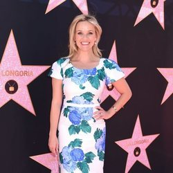 Reese Whiterspoon en la inauguración de la estrella del Paseo de la Fama de Hollywood de Eva Longoria