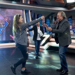 Joan Manuel Serrat bailando en 'El Hormiguero'