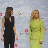La Reina Letizia y Cristina Cifuentes en la entrega de los Premios SM de LIteratura Infantil y Juvenil