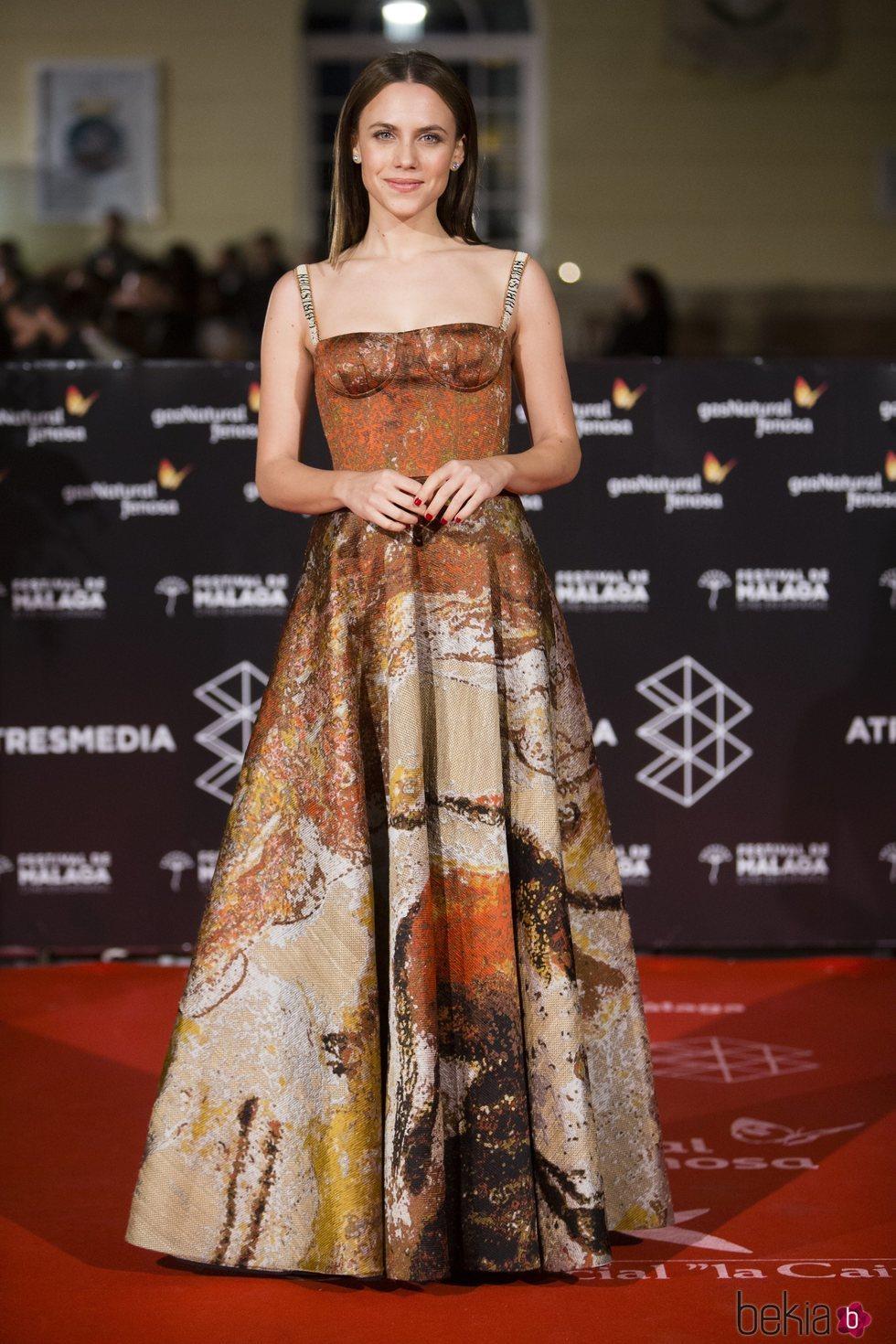 Aura Garrido en la alfombra roja roja de una de las noches del Festival de Málaga 2018