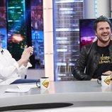 Dani Martín y Pablo Motos partiéndose de risa en 'El Hormiguero'
