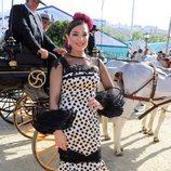 Raquel Bollo con un bonito vestido en la Feria de Abril 2018