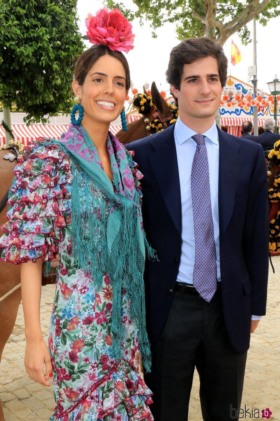 El Duque de Huéscar, Fernando Fitz-James, junto a Sofía Palazuelo en la Feria de Abril 2018