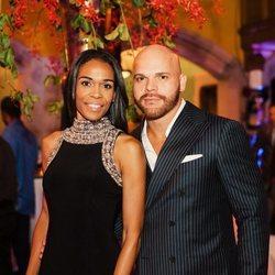 Michelle Williams y Chad Johnson en una fiesta