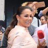 Isabel Pantoja, muy sonriente en el bautizo de su nieta Carlota Rivera