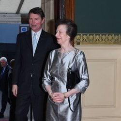 La Princesa Ana y su marido en el concierto del 92 cumpleaños de la Reina