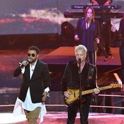 Sting y Shaggy actuando en el concierto del 92 cumpleaños de la Reina