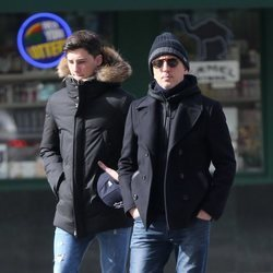 Gad Elmaleh paseando por Nueva York con su hijo Noé