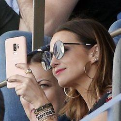 Paula Echevarría, el apoyo incondicional de Miguel Torres en el campo de fútbol