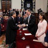 El Rey Felipe VI le entrega la medalla del Premio Cervantes 2017 a Sergio Ramírez