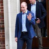 El Príncipe Guillermo de Inglaterra, muy sonriente tras el nacimiento de su tercer hijo