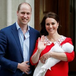 Los Duques de Cambridge han presentado a su tercer hijo