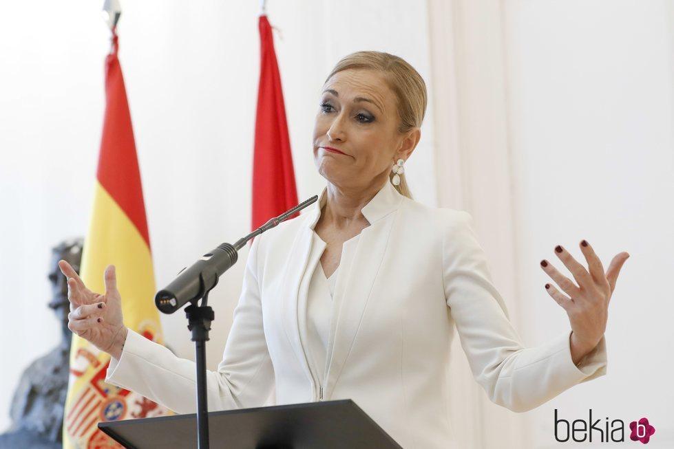 Cristina Cifuentes anunciando su dimisión a la Presidencia de la Comunidad de Madrid