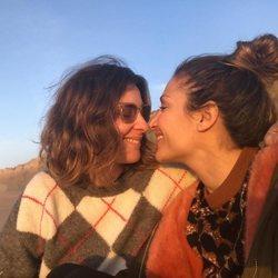 Sandra Barneda y Nagore Robles se miran y sonríen