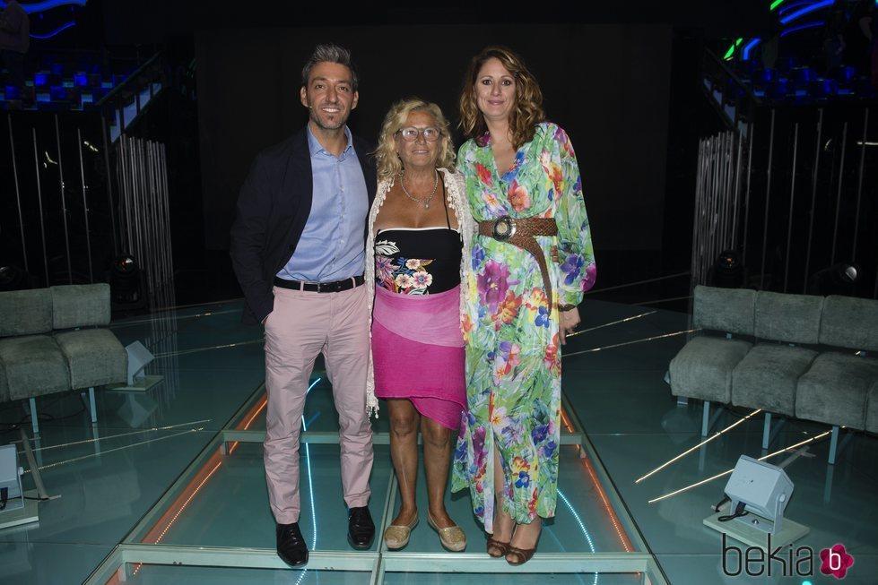 Fernando Marcos, Mayte Zaldívar y su hija Elia Muñoz en la gala 7 'Supervivientes 2018'