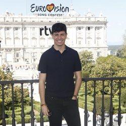 Alfred en el evento de despedida antes de Eurovisión 2018