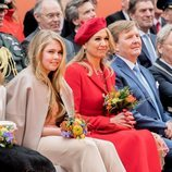 Los Reyes de Holanda junto a su hija, la Princesa Amalia