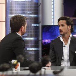 Feliciano López hablando con Pablo Motos en 'El Hormiguero'