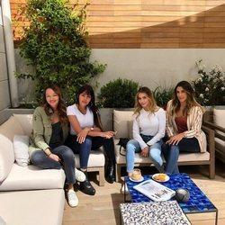 Georgina Rodríguez con Daniel Ospina y otras amigas