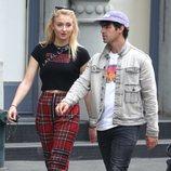 Joe Jonas y Sophie Turner se dando un paseo por las calles de Nueva York