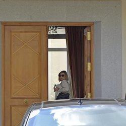 Terelu Campos y Alejandra Rubio llegando a casa de María Teresa Campos el Día de la Madre 2018